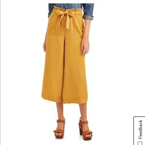 NWT wide leg crop pant Sz.Med